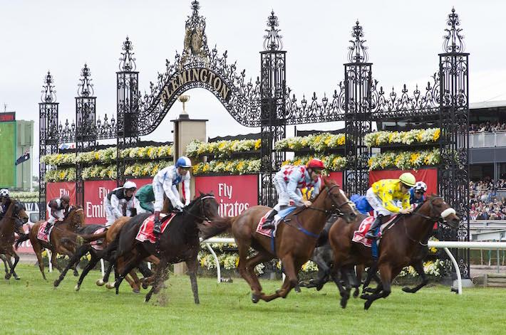 La corsa dei cavalli che ferma un'intera nazione