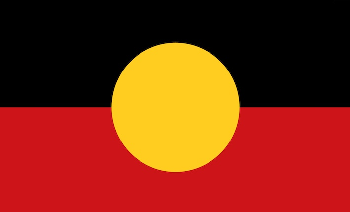 La bandiera australiana aborigena